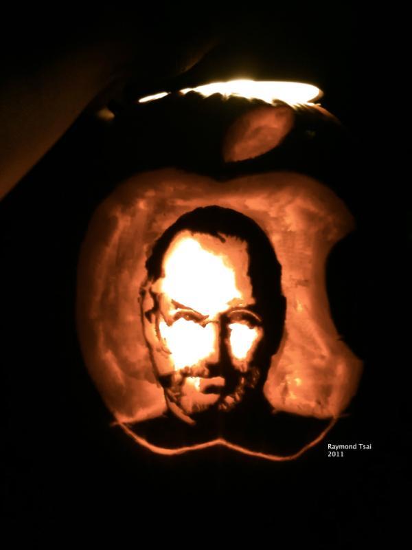 Amazing Steve jobs Halloween Pumpkin by Raymond Tsai [Pic]