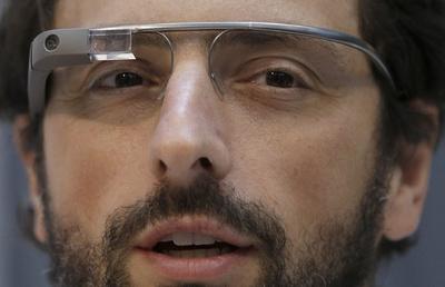 6 Hilarious Parodies of Google Glasses [Video]