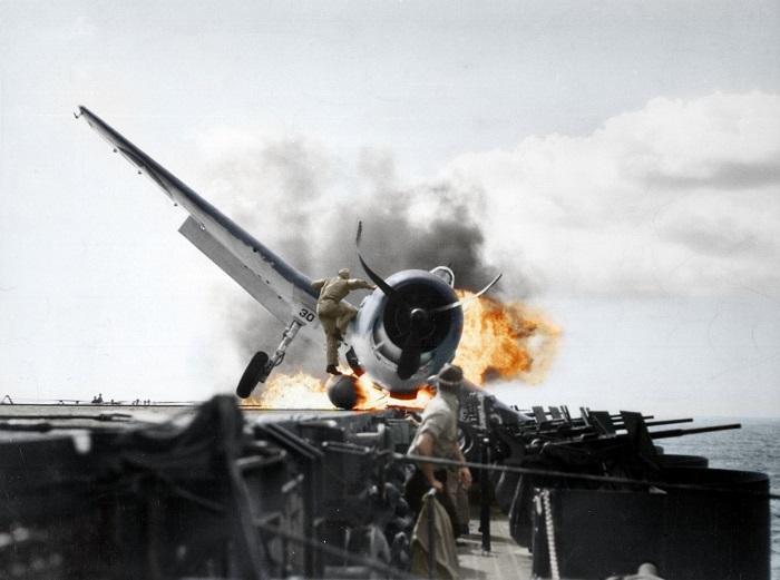 Crash landing of a F6F-3 (Hellcat) onto USS Enterprise (CV-6), Pacific Ocean 1943