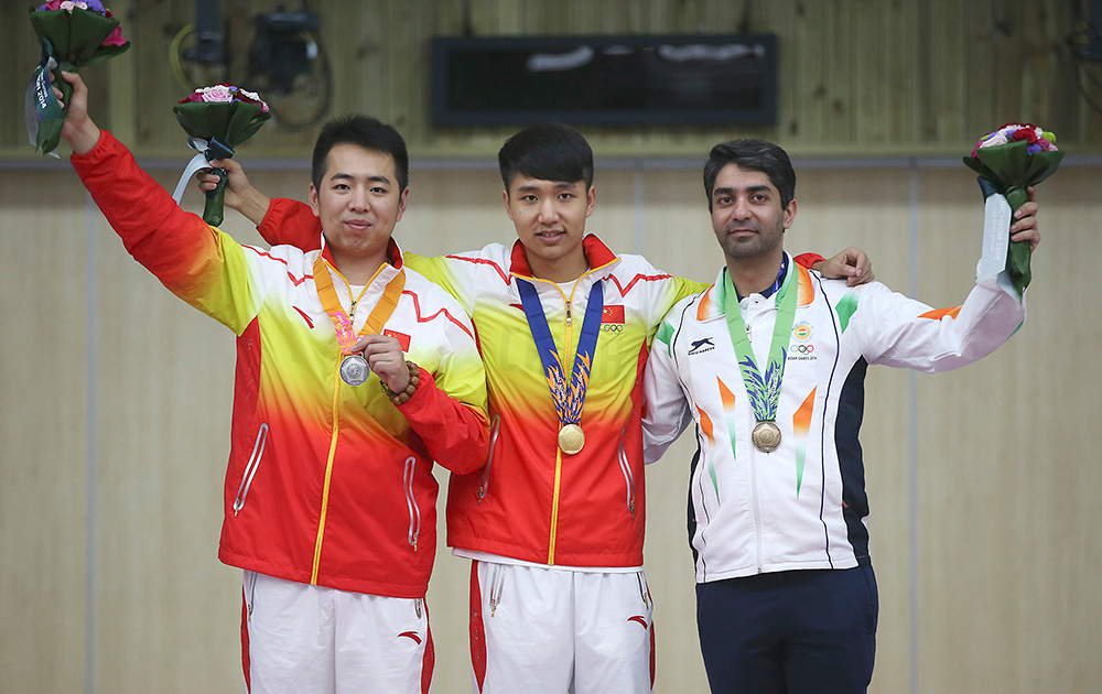 Abhinav Bindra Bids Adieu With A Bronze Medal in Men's 10M Air Rifle Individual Competition