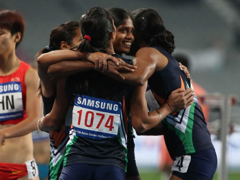 Celebrations After Winning The Gold Medal In 4x400m Relay By The Indian Team