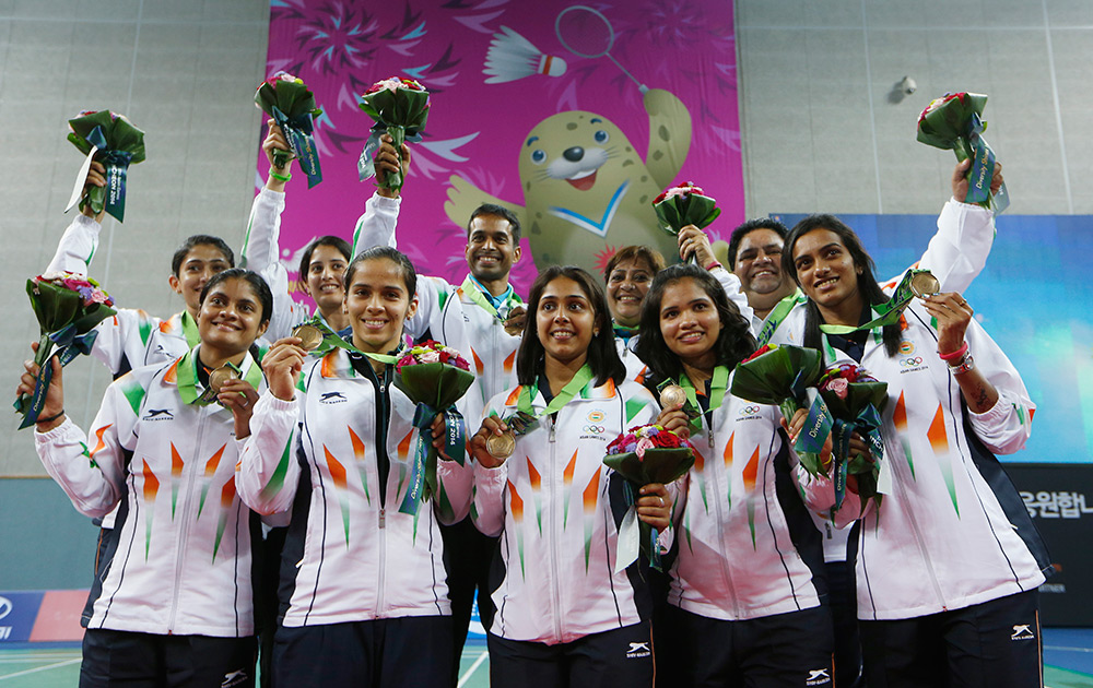 India's Badminton Team After Winning The Bronze Medal