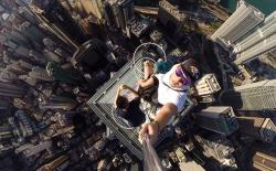 10 best selfie sticks for clicking selfies