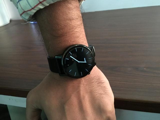 Moto 360 smartwatch 8