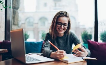 Top 15 Online Jobs for Students to Earn Extra Cash in 2020