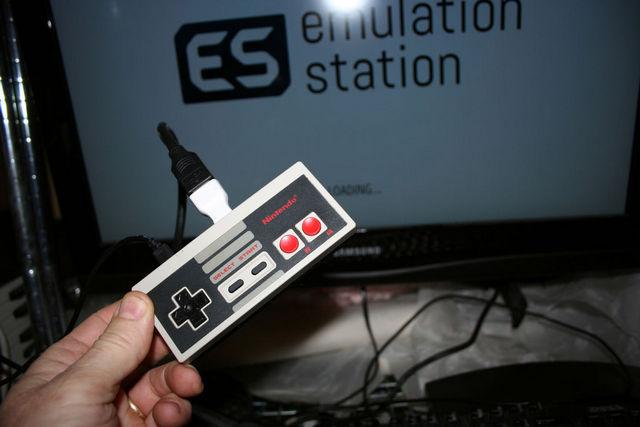 NES контроллер