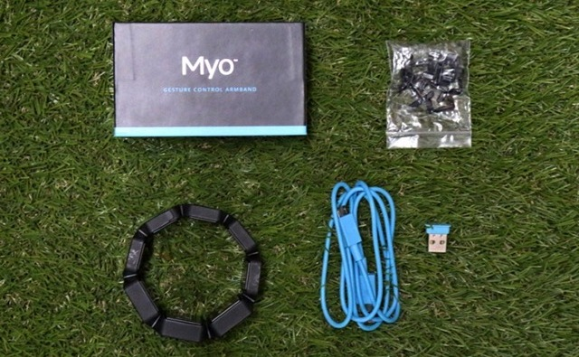 myo gesture control armband review box contents