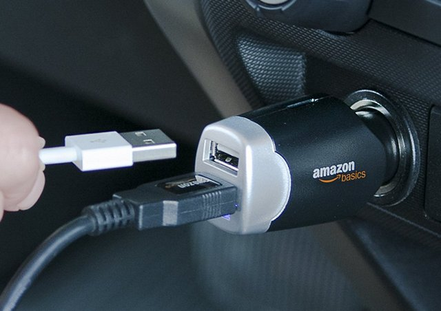 amazon-basics-car-charger