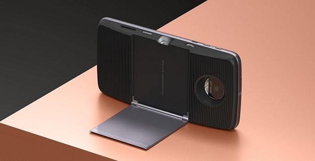 moto-mods-insta-share-projector