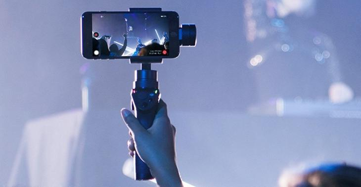 12 Best Gimbals for iPhone To Shoot Stabilized Videos