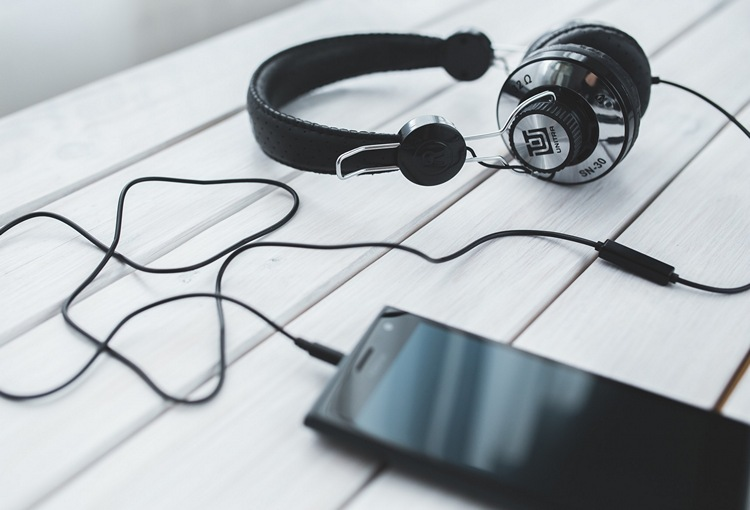 What Song Is This? 10 Mobile And Web Apps to Identify Songs | Beebom