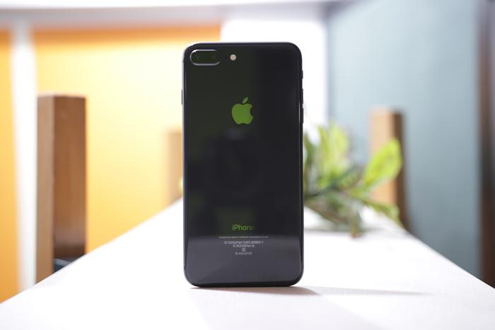 iPhone 8 Plus Definitely Not A Looker 2