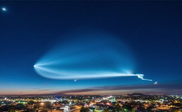 A Photographer Shot an Amazing Timelapse of SpaceX Falcon 9 Launch