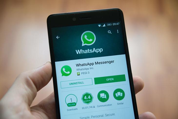 WhatsApp Sent Legal Notice Over Middle Finger Emoji