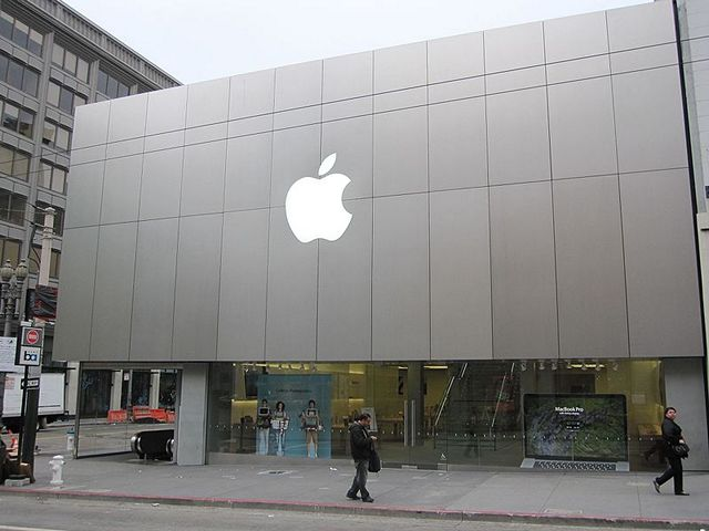 Apple Stores in India: Approval for 100% FDI in Single Brand Retail Clears Path