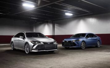 Toyota Lexus Apple CarPlay Featured