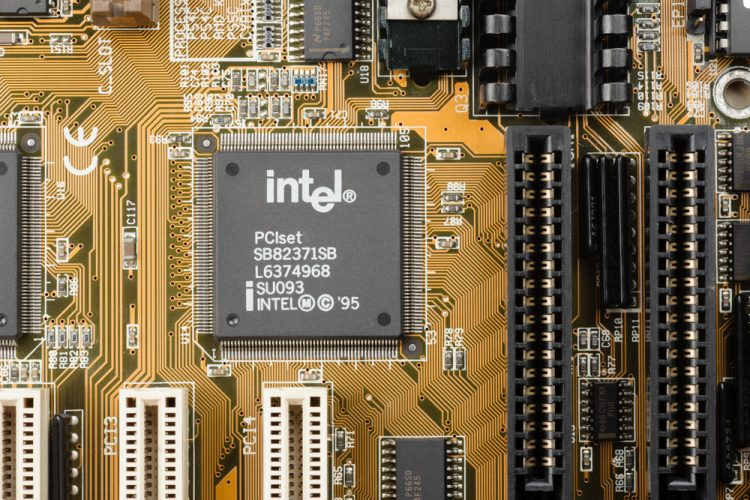 intel chips meltdown spectre fix by january end