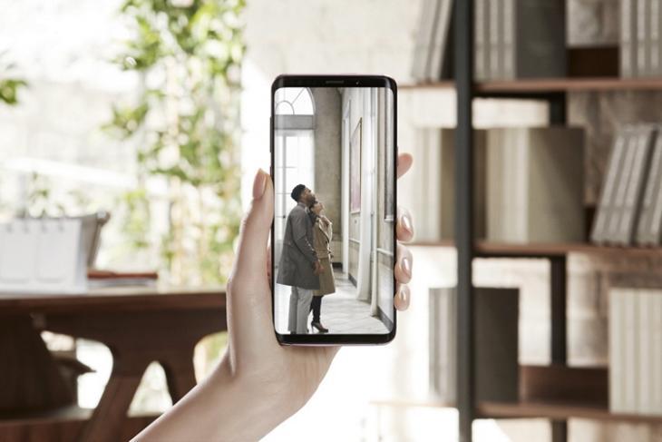 15 Best Galaxy S9 Accessories