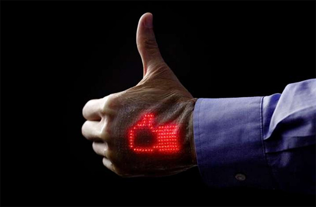 Researchers Have Now Created e-Skin That Shows Vital Signs in Real Time