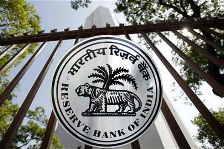 New RBI Guidelines Will Let You Exchange Money Between Digital Wallets Soon
