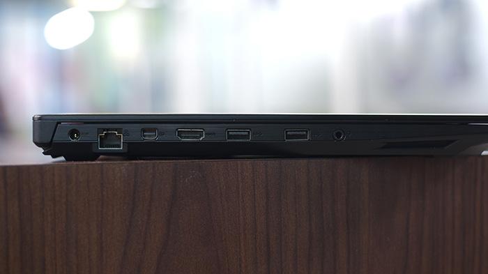 Asus GL503VD Left Ports