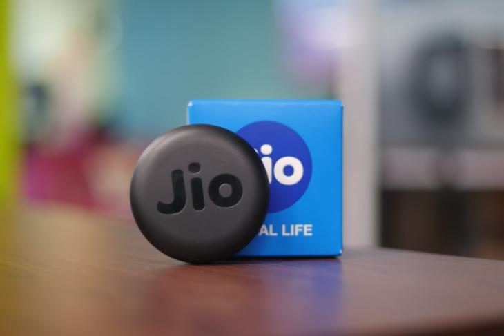 JioFi JMR815 Review- A Portable Router for All Your Traveling Needs