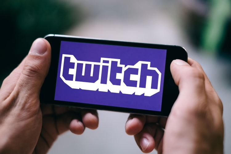 How to Stream Games on Twitch from Android or iOS (Guide)