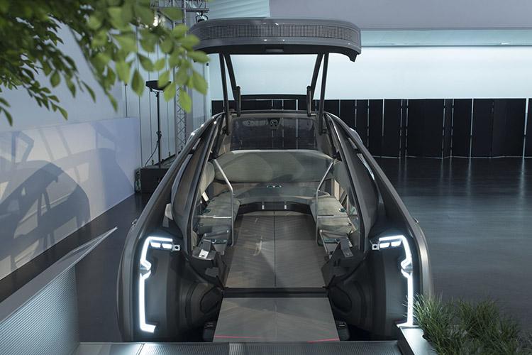 Renault Unveils Autonomous Ride-Sharing Concept Car EZ-GO