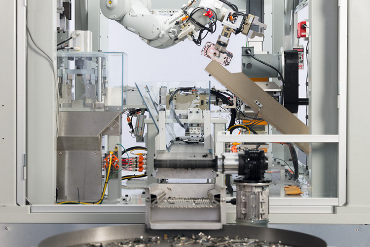 Ahead of Earth Day, Apple Reveals Daisy, Its New iPhone Recycling Robot
