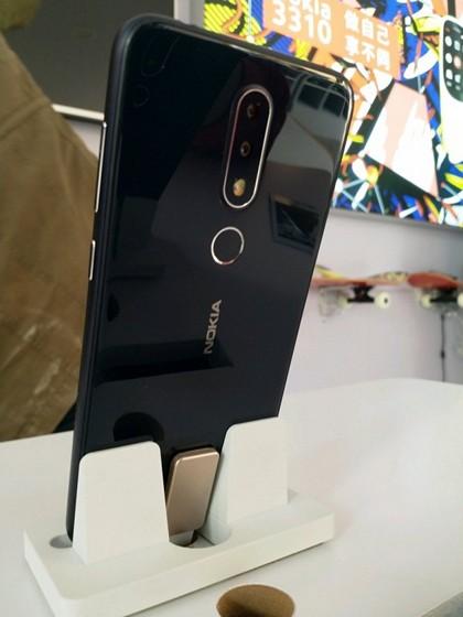 Nokia X X6 (3)