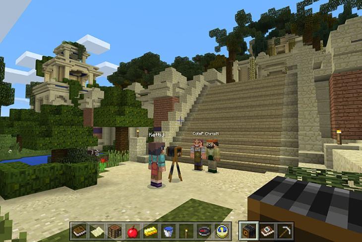 Camera in Minecraft: Education Edition