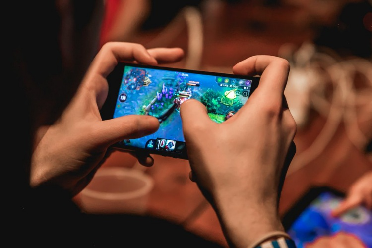 PUBG Mobile Mania To Boost Gaming Phone Sales in India: CMR