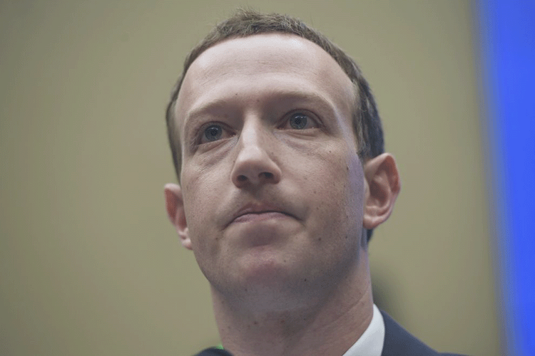 Zuckerberg Claims Not Knowing About Shadow Profiles, Tracking Outside Facebook