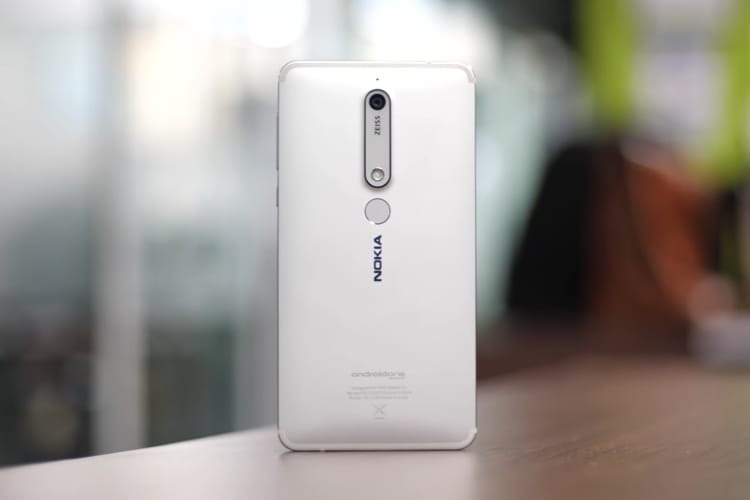 sports shoes 834ee ebd9d 10 Best Nokia 6.1 Cases and Covers You Can Buy | Beebom