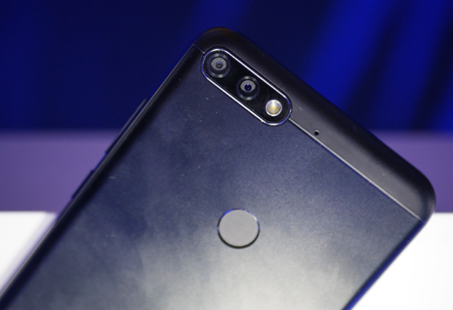 Honor 7C Hands On