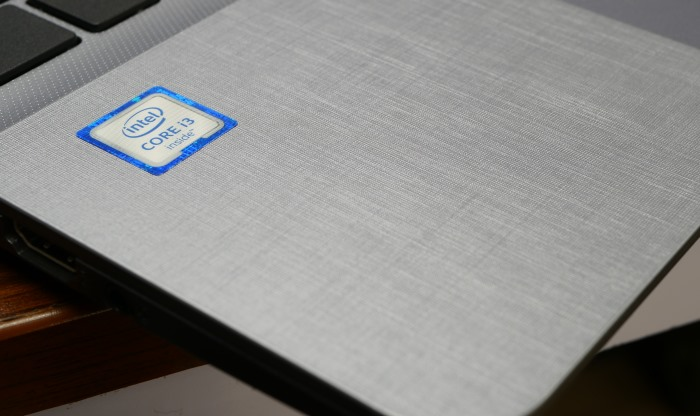 Asus VivoBook X507 Design and Build Quality 3