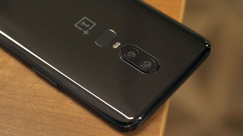 OnePlus 6 Review Back Close Up