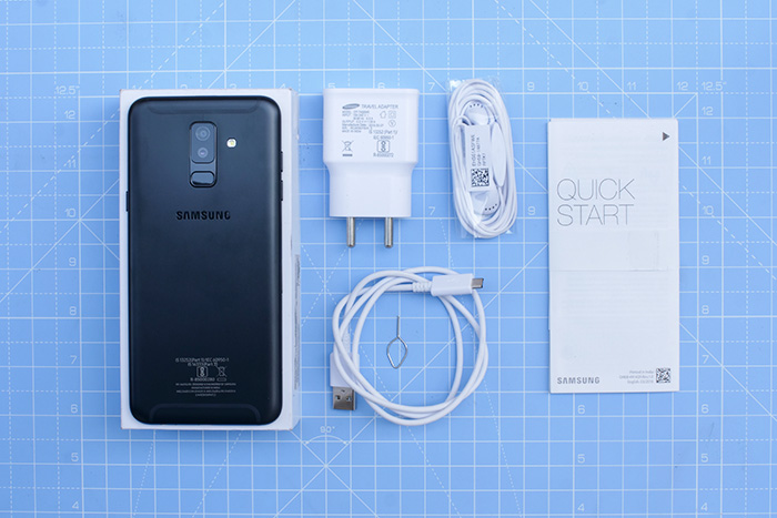 Samsung Galaxy A6 Plus box contents