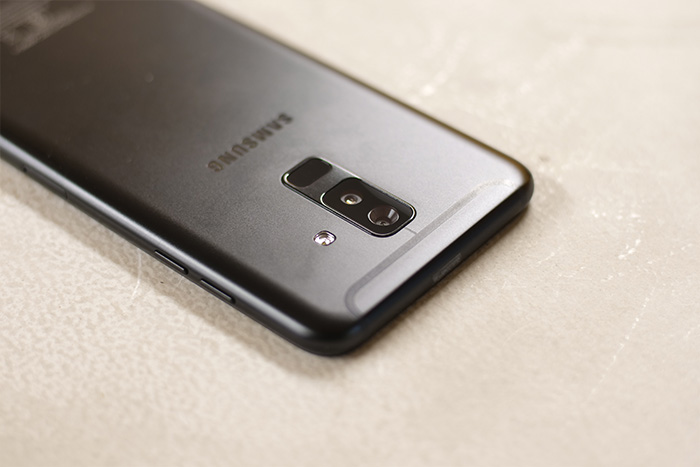 Samsung Galaxy A6 Plus rear camera fingerprint