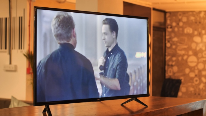TCL iFFALCON F2 Smart TV Review: A Bang for Your Buck Smart TV | Beebom
