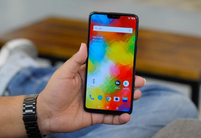 OnePlus 6 Will be Available at 112 Croma Outlets From May 22
