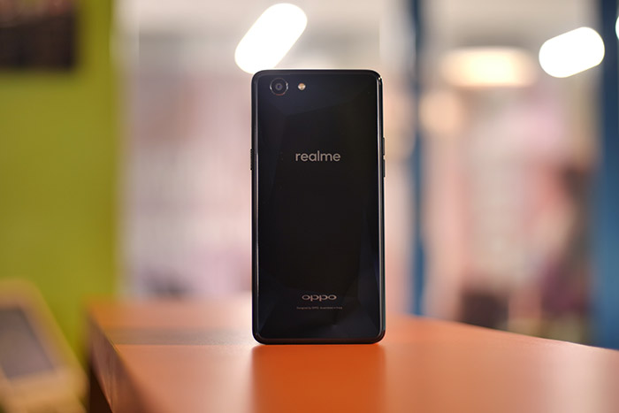 Realme 1 Review: A Promising Yet Flawed Smartphone   Beebom