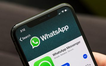 WhatsApp on iOS Now Plays Facebook and Instagram Videos Natively