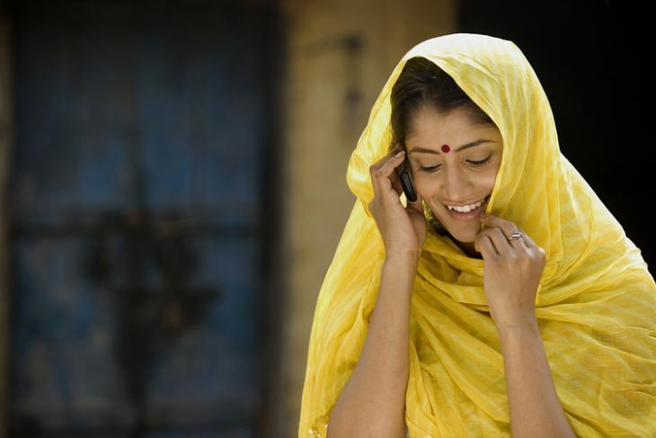 India phone user gender gap
