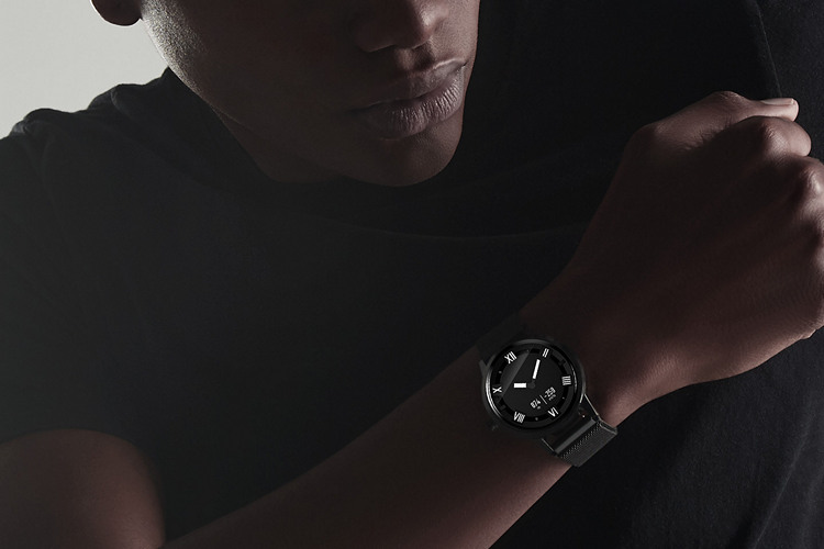Lenovo Unveils Watch X With Circular Display, 45-Day Battery and More