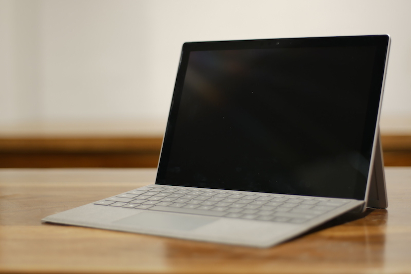 Surface Pro (2017) laptop mode00001