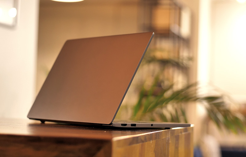 Mi Notebook Air Review: A MacBook Pro at the Price of a MacBook Air