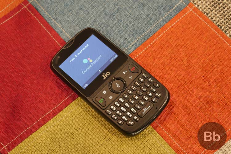 JioPhone 2 Hands-on: A Feature Phone Packed With Smarts!