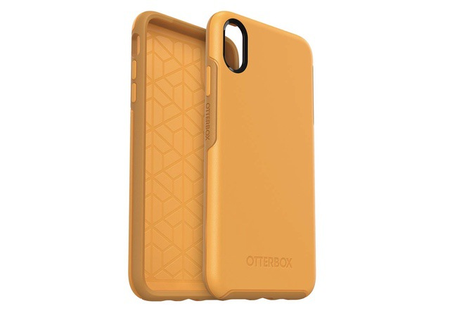 2. OtterBox Symmetry Clear Case for iPhone XS Max