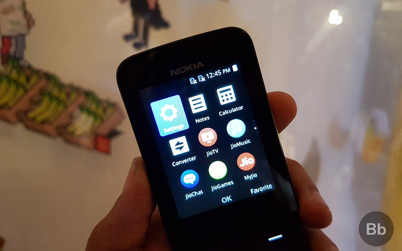Nokia 8110 4G Mini Review: Modern Take On The Banana Phone